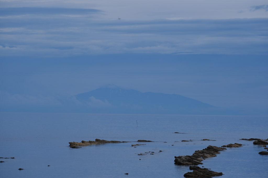 男鹿半島からの鳥海山鳥海山